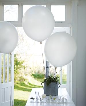 Riesen Luftballon in weiß mit 100 cm Durchmesser . Die Macherei