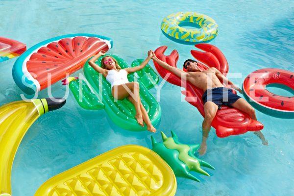 float-lobster_lifestyle.jpg
