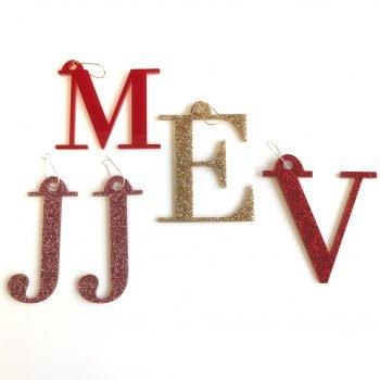 Statement Ohrringe personalisierbar Buchstaben aus Acryl. Die Macherei