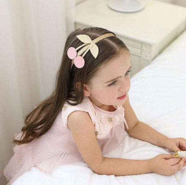 Haarreifen-Kirsche-rosa-model