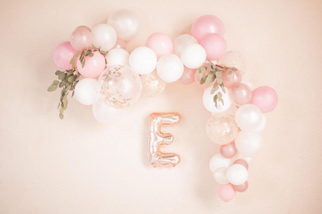 Balloon Girlande Inspiration Taufe Die Macherei und Maggies Etageres