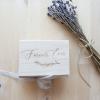 Ringbox Naturholz personalisiert mit dem Schriftzug Forever von Die Macherei