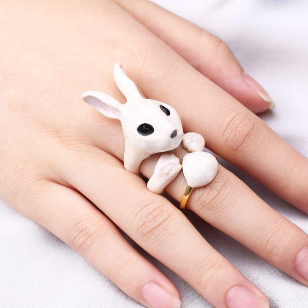 Ring_set_bunny_hand